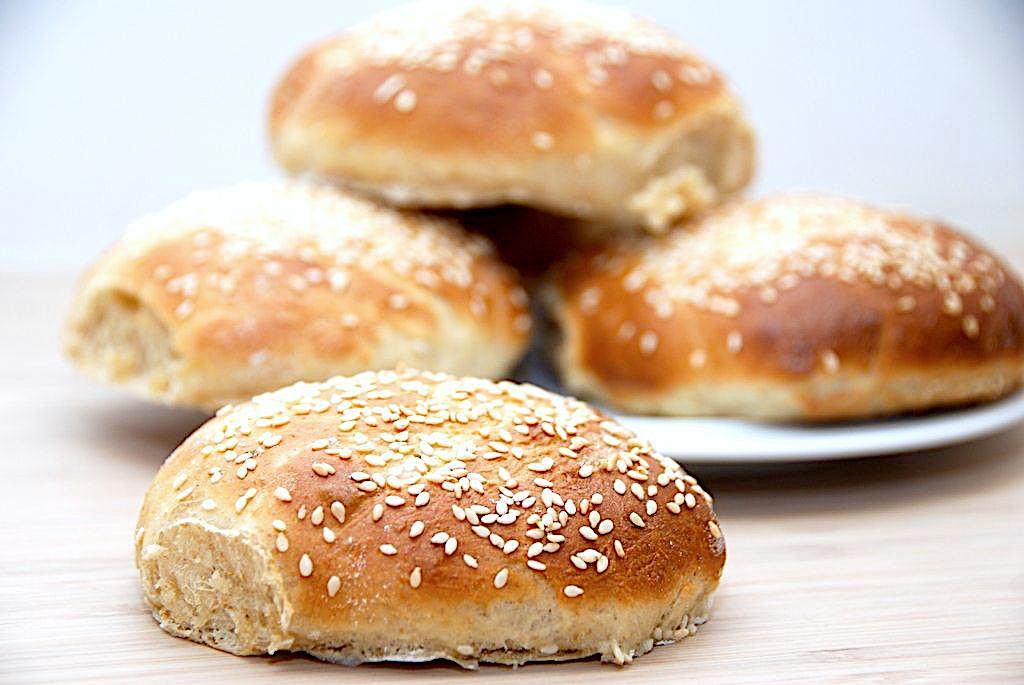 Burgerboller – bedste opskrift på brød til burger